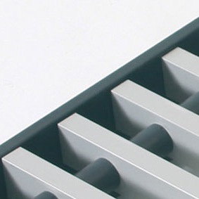 Rolrooster vervaardigd uit grijs aluminium